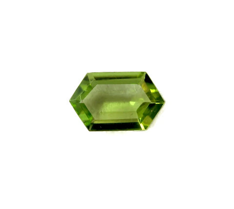 Peridot hexagon cut - 10x6mm (step-cut)