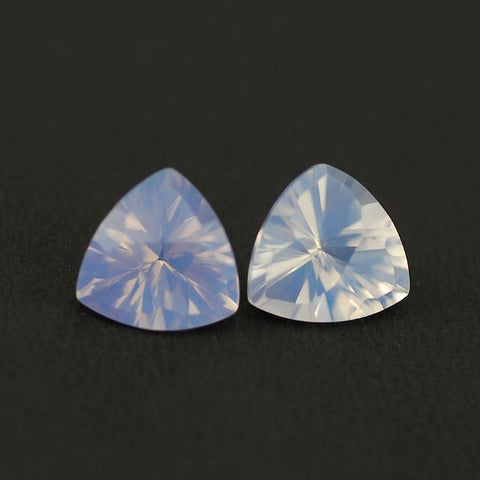 Lavender quartz trillion concave cut - 10 mm