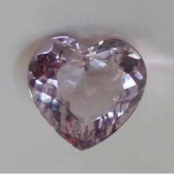 Lavender quartz heart shape - 24 x 23 mm