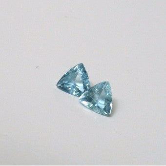 Aquamarine trillion cut (pair) - 4.6 mm