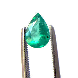Emerald pear shape - 8.7 x 6 mm