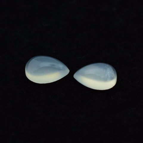 Moonstone pear cut cabochon (white) - 10x7mm