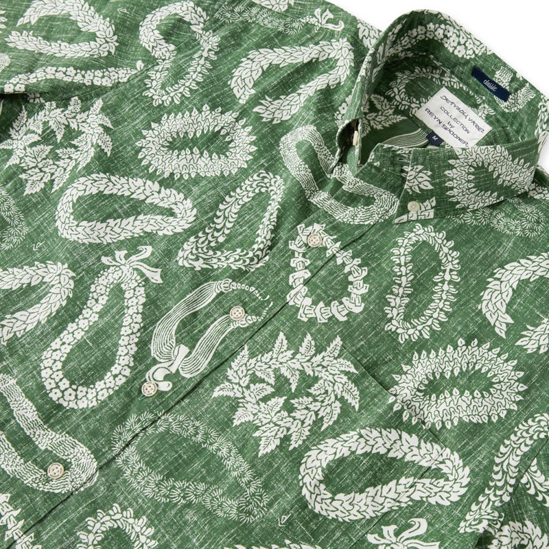 Reyn Spooner LEI'D BACK BUTTON FRONT in GREENER PASTURES