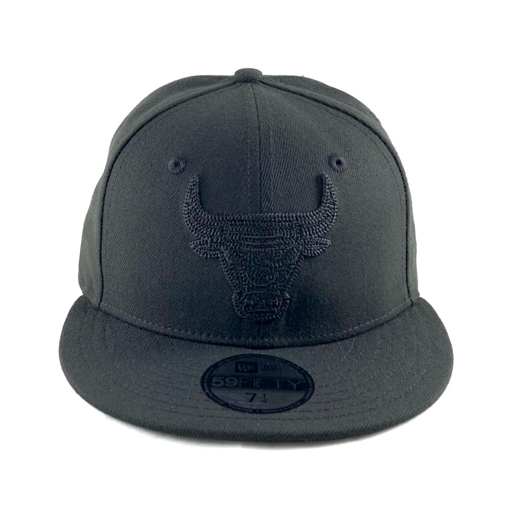 newest 911ae 414af Chicago Bulls Blackout Logo Shade Fitted Cap. New Era