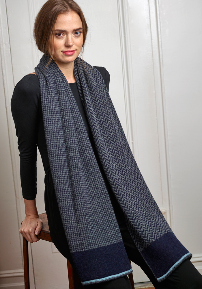 Harper Wrap in Navy/Gray