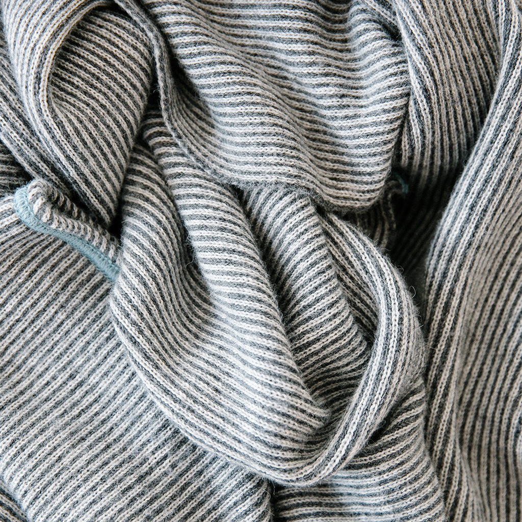 Leland Throw in Charcoal/Light Gray