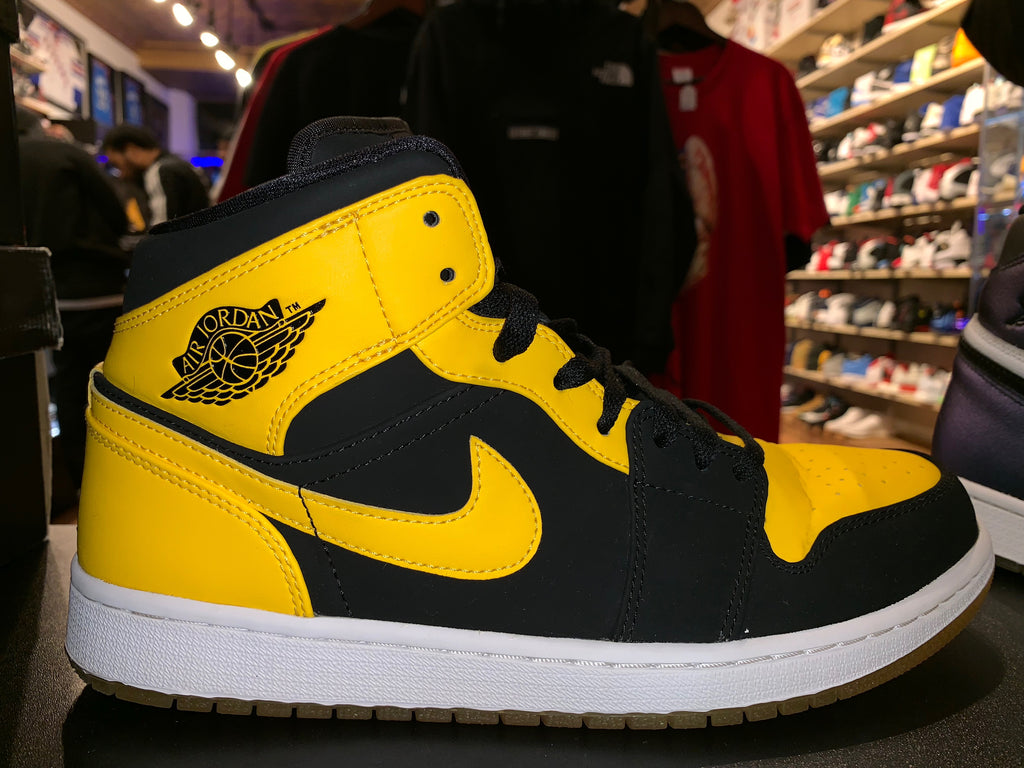 "Size 10 Air Jordan 1 Mid ""New Love"""