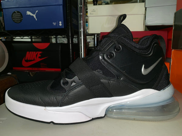 "Size 11.5 Air Max 270 Boot ""Black/White"" *"