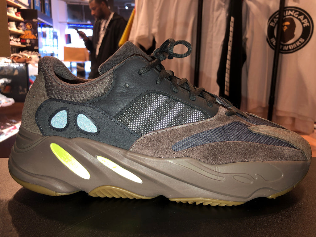 "Size 13 Adidas Yeezy Boost 700 ""Mauve"""