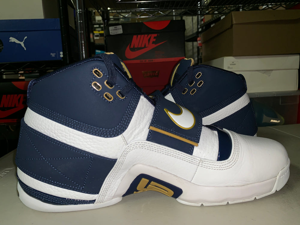 f9454a8666dd5 Size 11 Zoom Lebron Soldier CT16