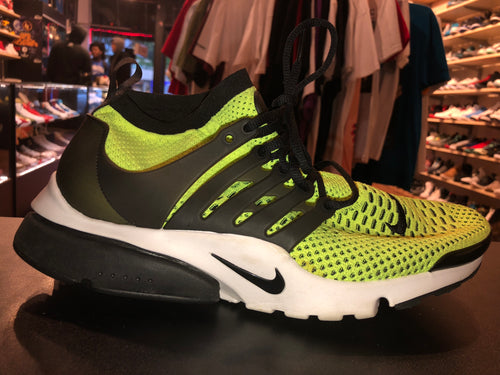 "Size 11.5 Air Presto Flyknit Ultra ""Neon/ Black"""