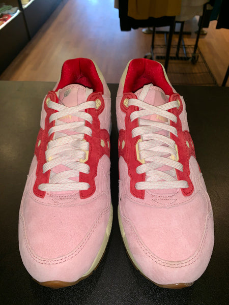 "Size 9 Saucony ""6 Scoops Strawberry"" Brand New"