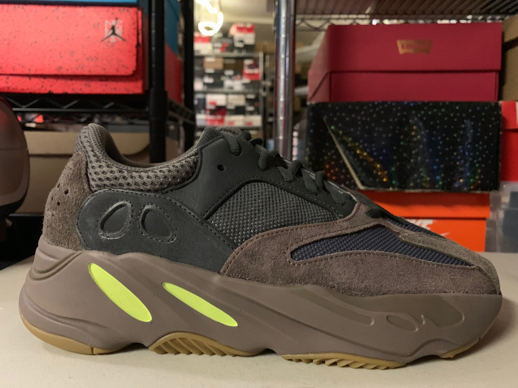 "Size 10 Adidas Yeezy Boost 700 ""Muave"" Brand New"