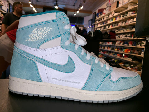 "Size 10.5 Air Jordan 1 ""Turbo green"""