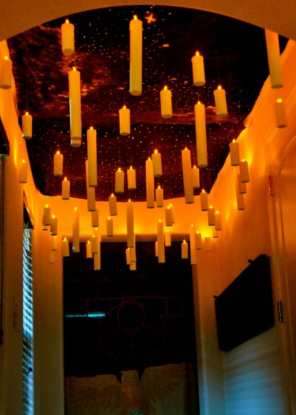 DIY Floating Candles Hallway - DIY Halloween Party Decor - Harry Potter Inspiration