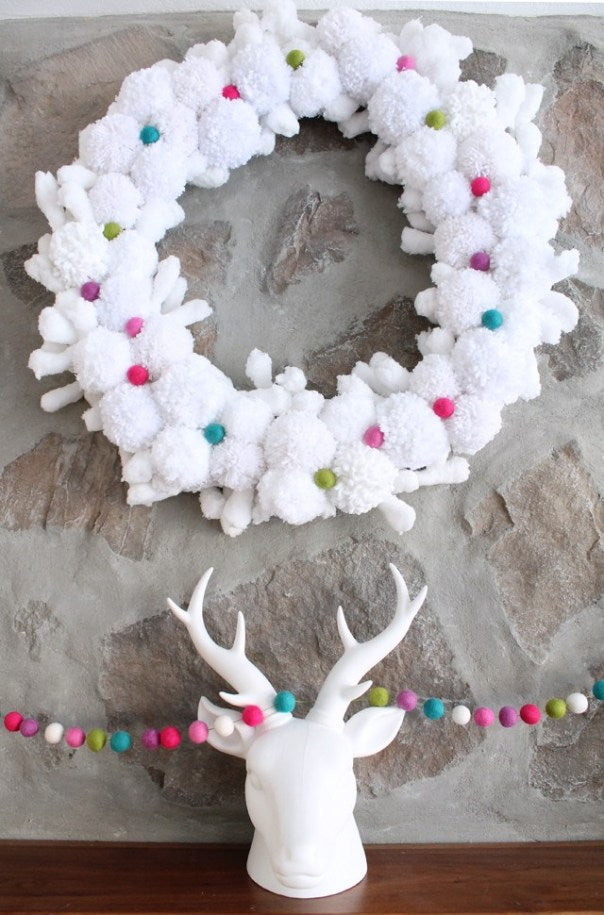 DIY Pom Pom Christmas Wreath - DIY Wreath