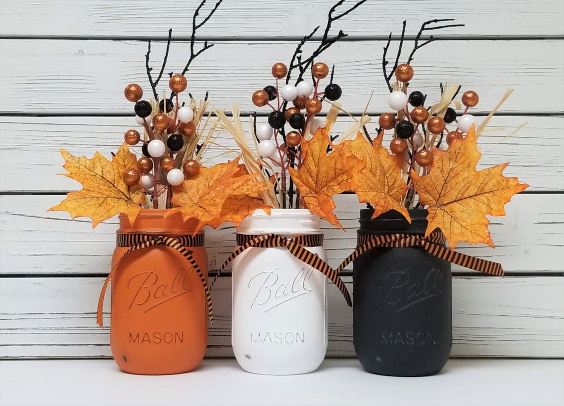 Halloween Mason Jar Decor, Halloween Decorations, Halloween Decor, Fall Mason Jars, Fall Mason Jar Centerpiece, Fall Decor, Autumn Decor