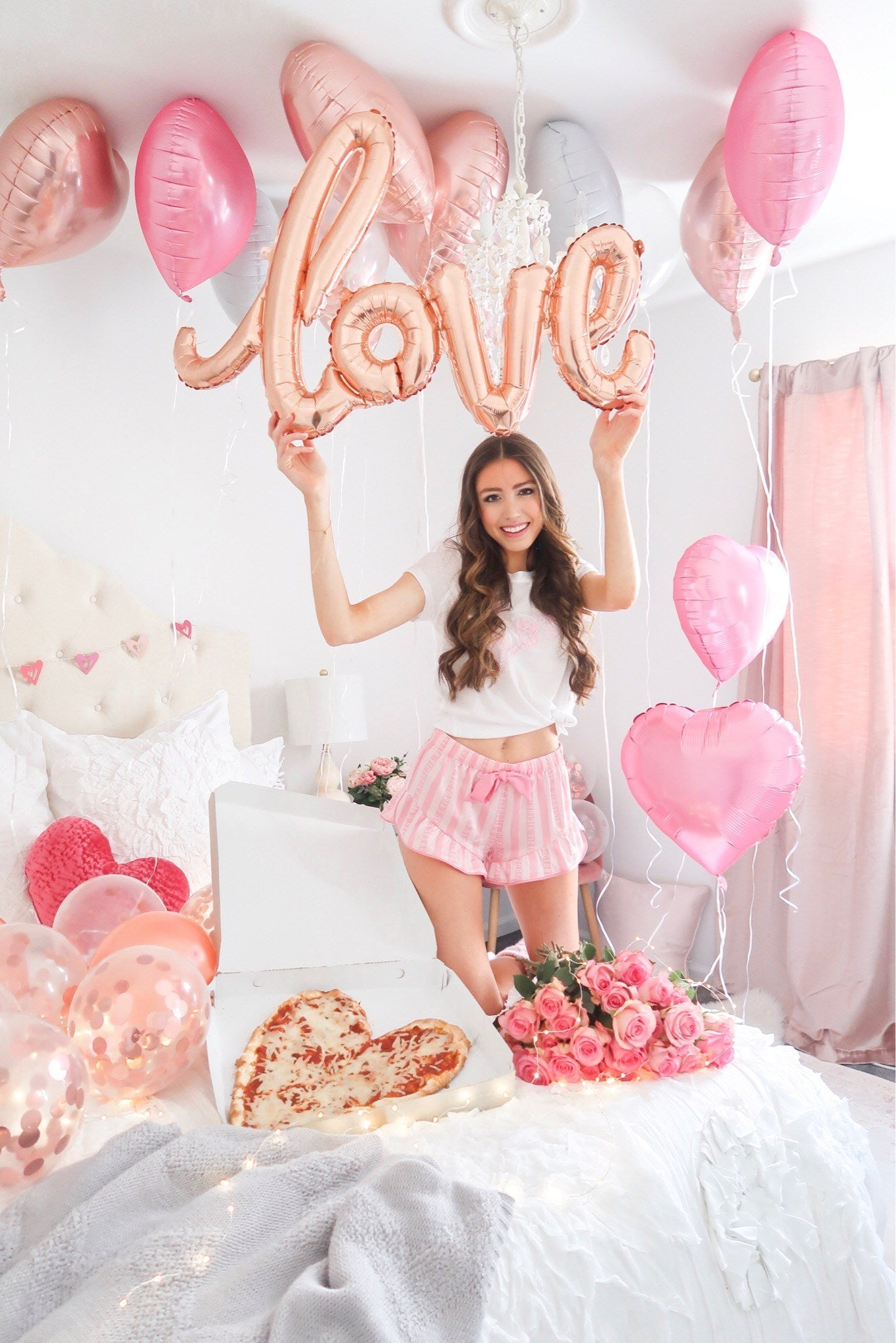 Valentine's Day Photo Ideas - Valentine's Day Love Balloon - Valentine's Day Decorations