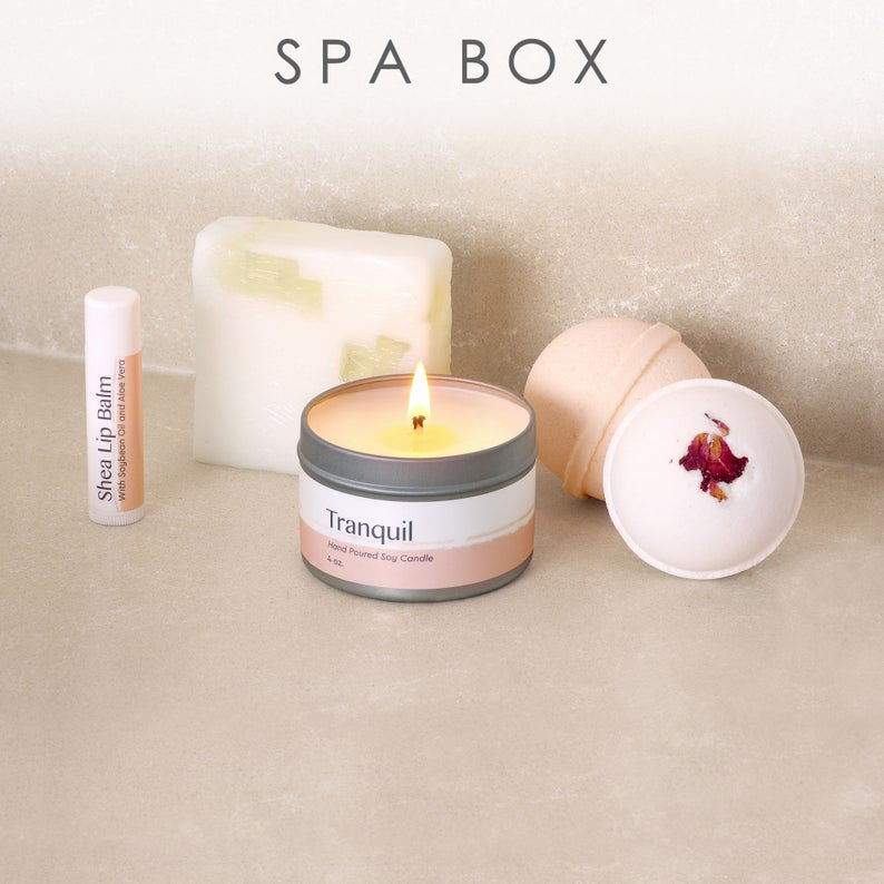 Mom Spa Gift Box / Gift Basket for Mother, Mommy, Mama, Mother's Day