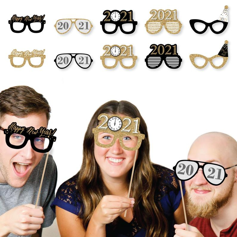 New Year's Eve - Gold Glasses - Paper Card Stock 2021 New Year's Eve Party Photo Booth Props Kit
