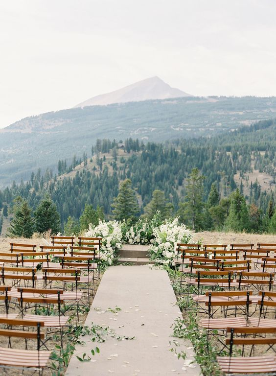 Outdoor Wedding Venues - Outdoor Wedding Ceremony Ideas - Pretty Collected