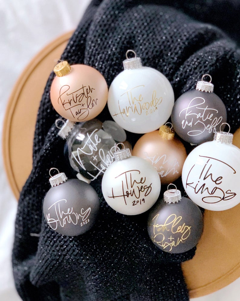 Personalized Holiday Ornament, Custom Holiday Ornament, Custom Calligraphy Ornament, Personalized Christmas Ornament Name/Initial