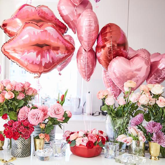 Pucker Up Lips Balloon - Pretty Collected