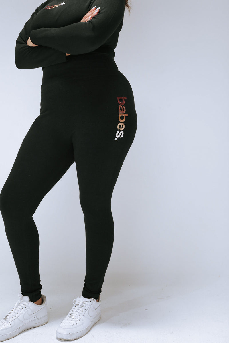 Signature Embroidered Tummy Control Legging Black