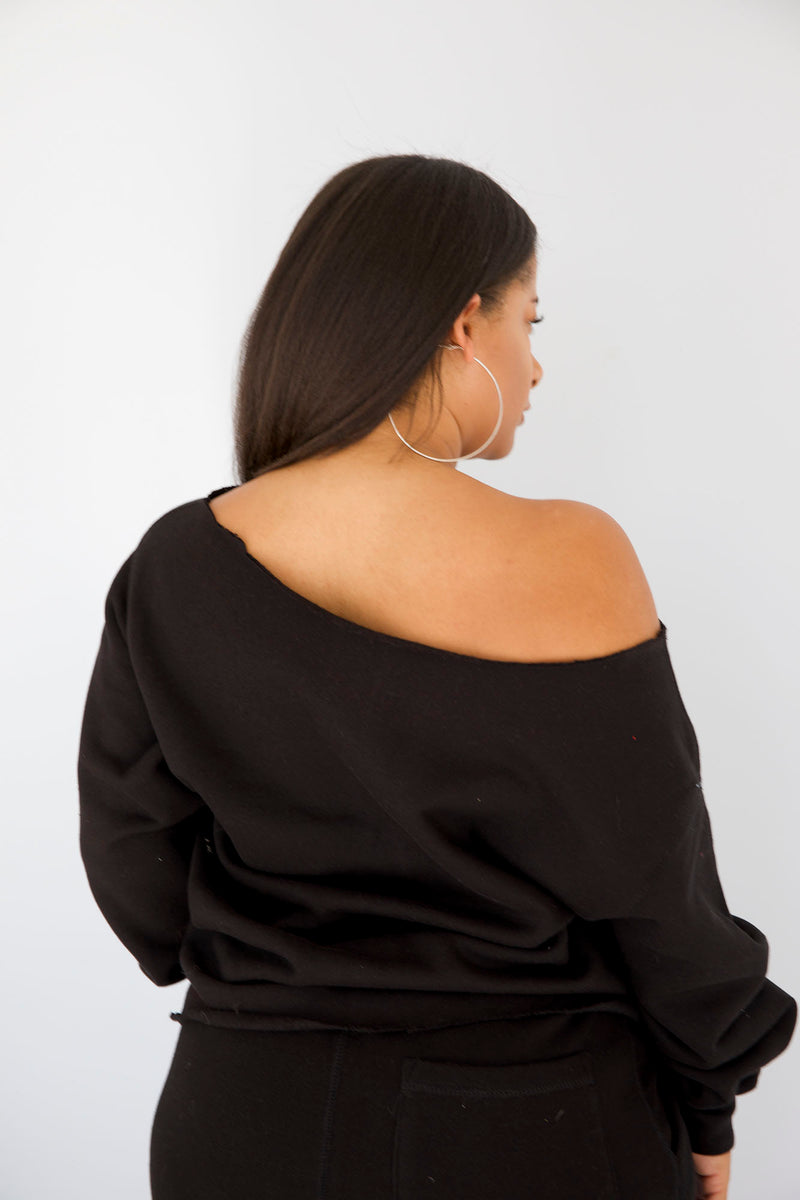 TOMBOY Off Shoulder Crewneck (2 colors)