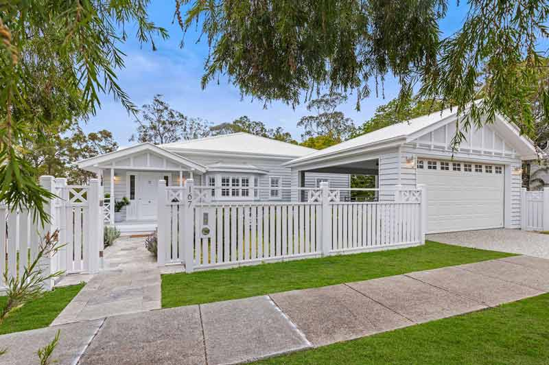 Hamptons-style-queenslander-167-simpsons-road-bardon-brisbane-front-exterior