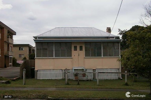 queenslander worker's cottage exterior before renovation