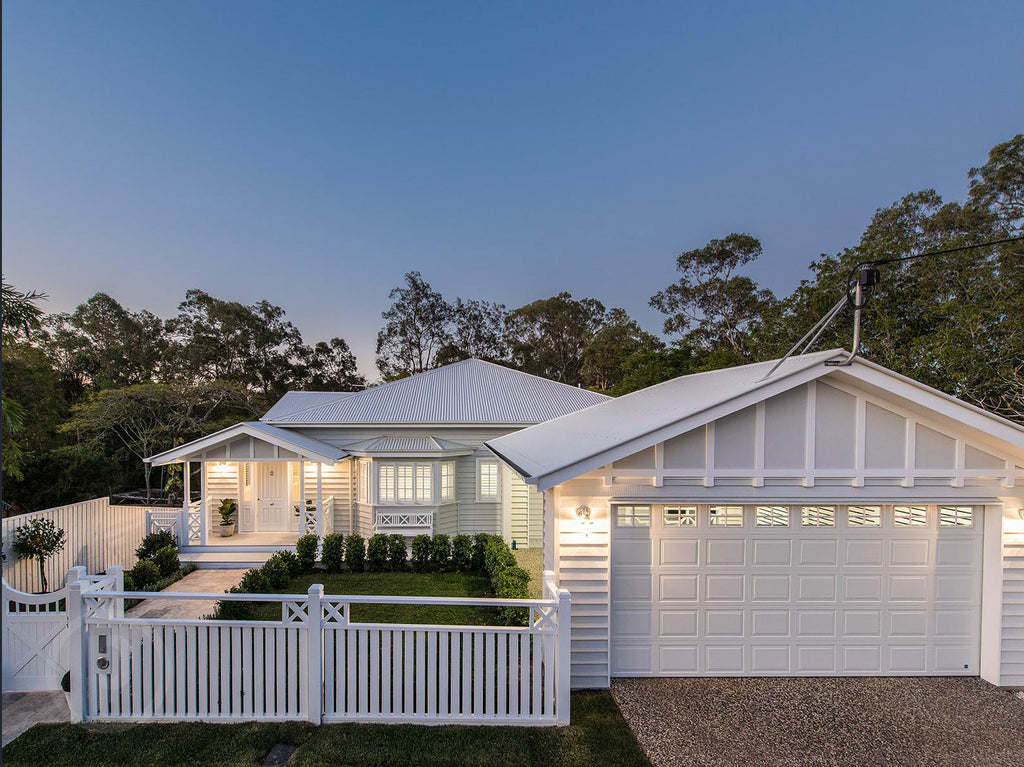 Stunning hamptons queenslander style home in brisbane for Hampton style homes