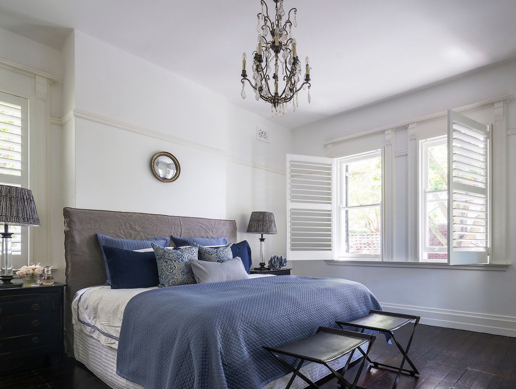 hamptons style bedroom