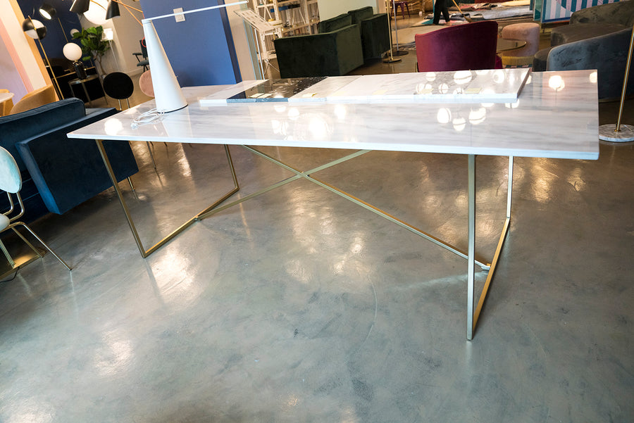 โต๊ะอาหาร [VD] Gent Dining Table (Gold Leg)
