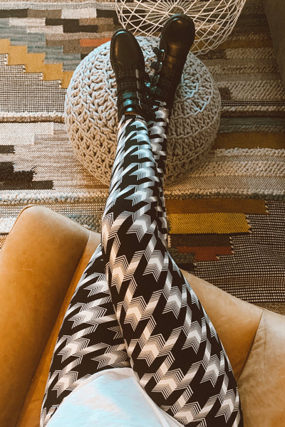 Black/White Houndstooth Print Leggings
