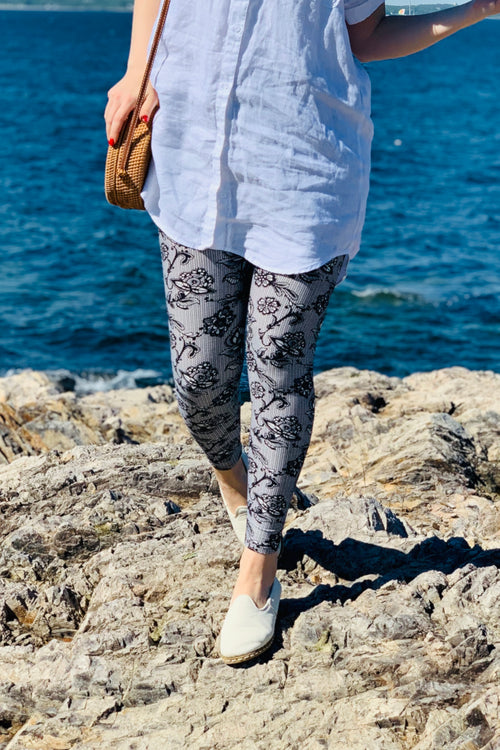 black and white lace print  buttery Soft Microfiber High Waist Fashion Patterned Celebrity Leggings for Women one size