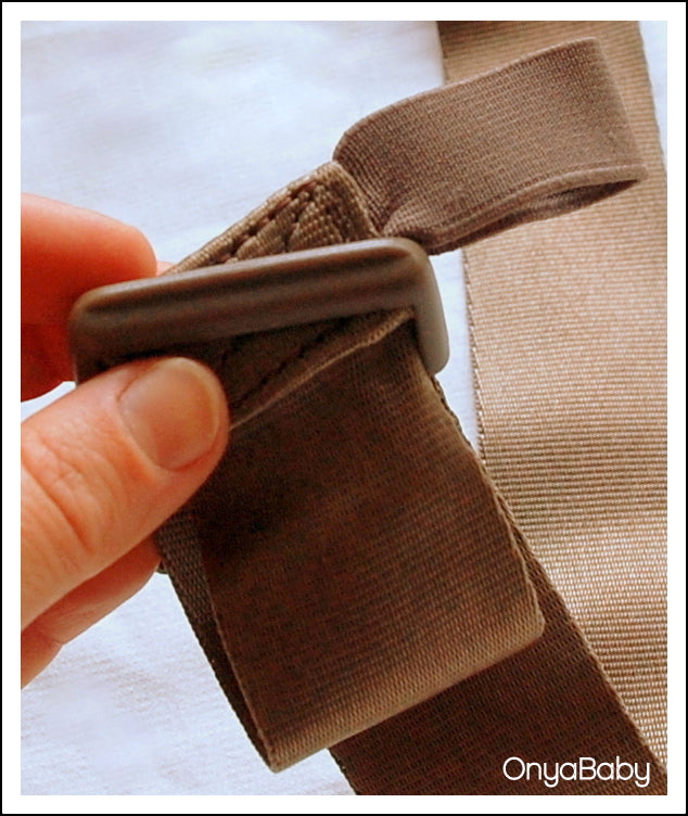 How to thread a buckle on a baby carrier - Step 3