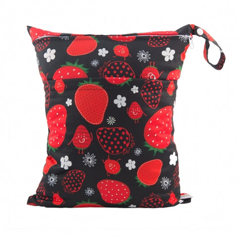 "Alva Travel Wetbag - ""Strawberries on Black"""