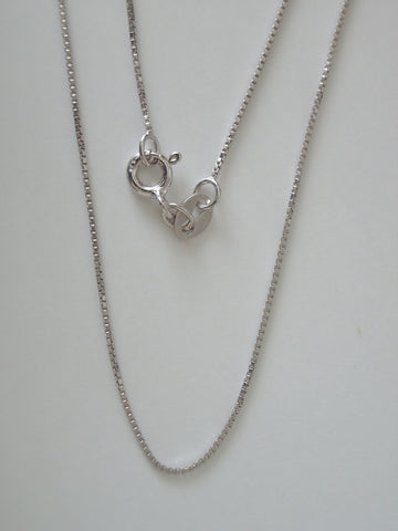 "18"" 0.8mm Sterling Silver Box Chain"
