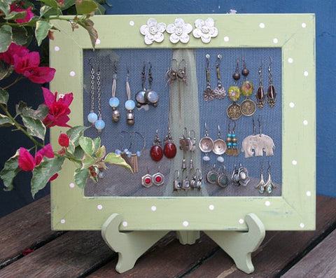 shabby chic earring holder by tammynoony