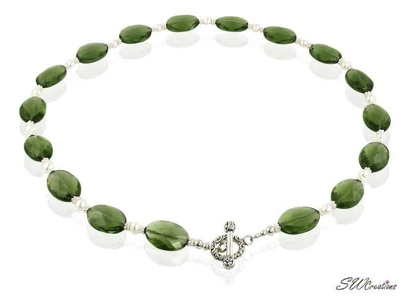 Green Crystal Pearl Beaded Necklace - SWCreations
