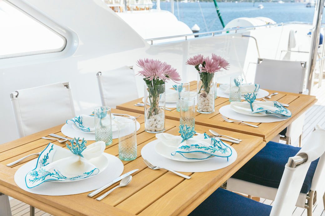 deck_table_setting_octopussy_yacht