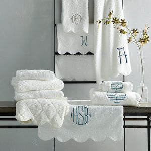 Cairo Scallop Piping Bath Towel