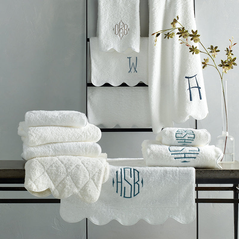 Cairo Scallop Piping Towel - Pioneer Linens