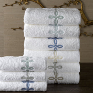 Gordian Knot Bath Towels