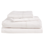 King 1 flat sheet 1 fitted sheet 2 King pillow cases / 110