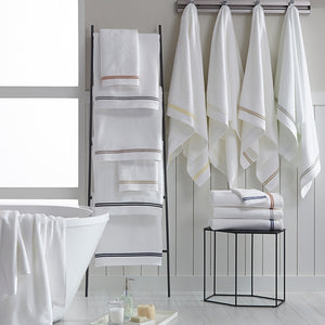 Aura Bath Towels
