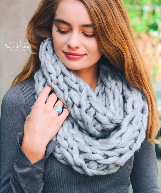 Chunky Twist Infinity Scarf - Light Gray