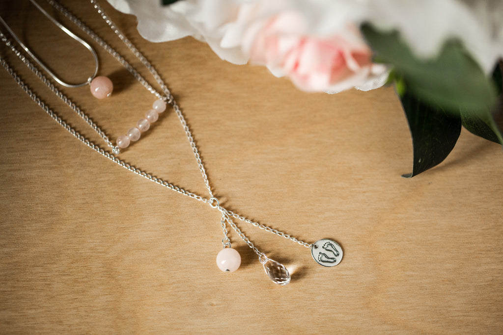 Stone Bar Necklace | Rose Quartz