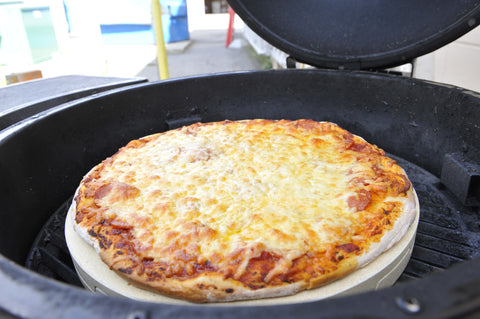 Pizza on the Broil King Keg